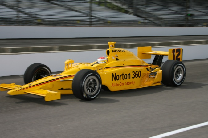 Bild: Ryan Briscoe - Luczo Dragon Racing - Dallara IR-05 - Honda