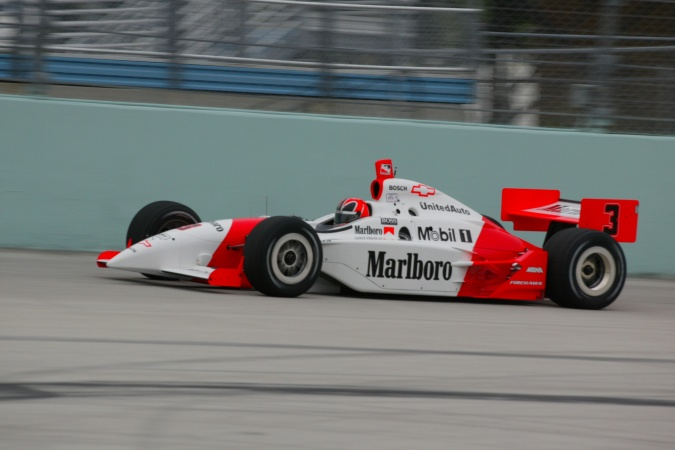 Bild: Helio Castroneves - Team Penske - Dallara IR-02 - Chevrolet