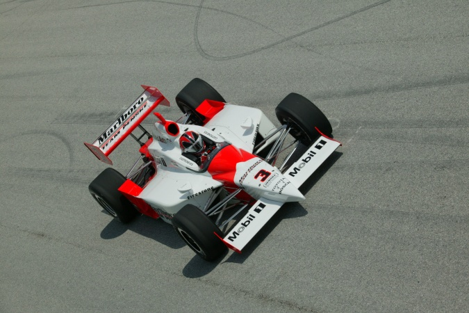 Bild: Helio Castroneves - Team Penske - Dallara IR-03 - Toyota